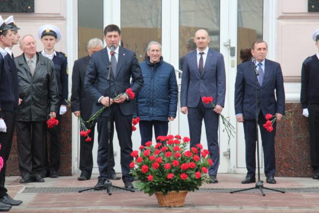 Портовики вшанували пам'ять визволителів Одеси (фоторепортаж)
