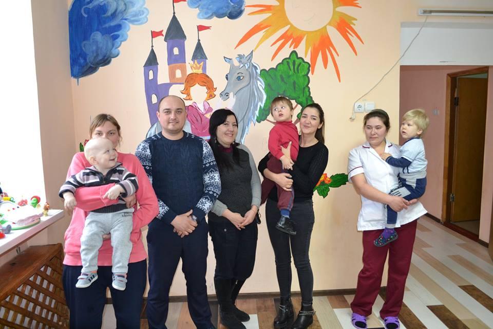 Співробітники Одеського порту передали допомогу будинку дитини при Чорноморській виправній колонії №74 (фоторепортаж)