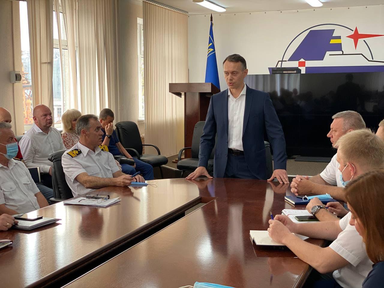 На ДП «Одеський порт» відзначили професійне свято - День працівників морського та річкового флоту України.