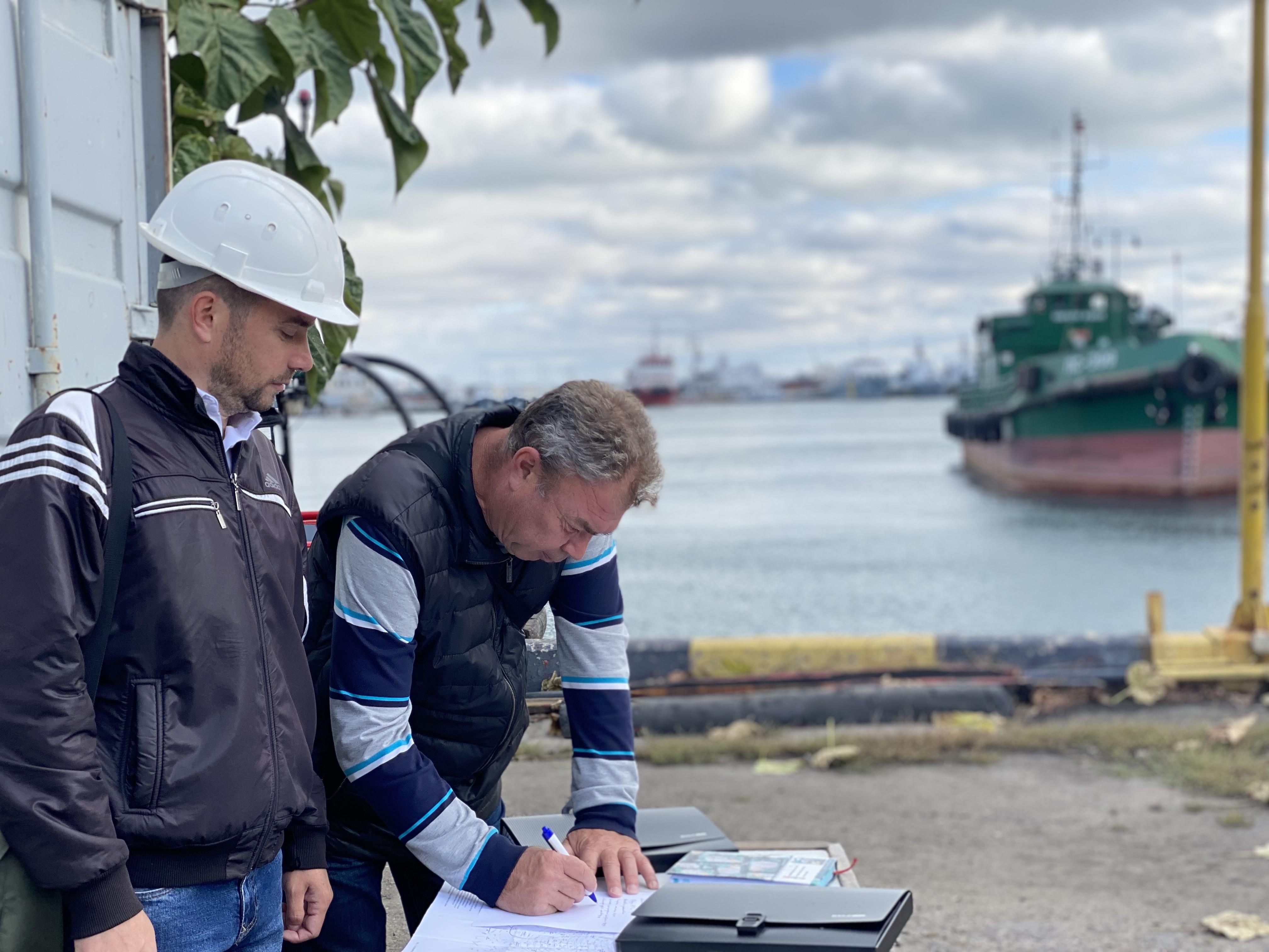 Планові навчання з ліквідації хімічних забруднень в акваторії Одеського порту.